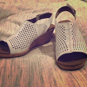 Size 8.5 Rockport white wedge sandal